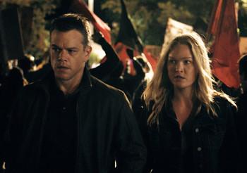 Jason_Bourne-Matt_Damon-Julia_Stiles-002.jpg